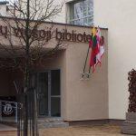 Žemaitijos metais Mažeikių viešoji biblioteka pasipuošė ir Žemaitijos vėliava