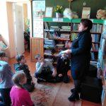 Bibliotekininkė B. Vaizgėlienė pasakoja apie Vaikų knygos dieną.