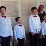 Jaunieji dainininkai dovanojo žemaitiškų dainų