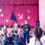 Muziejaus darbuotoja J. Miliauskytė pasakoja apie žemaičių kalbą