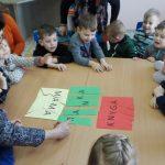 Vaikai žaidė raidžių žaidimą
