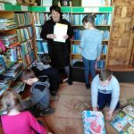 Vaikai atlieka pirmą komandinę užduotį