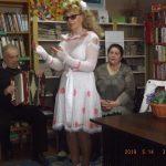 Dainuoja Filomena Kesminienė