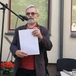 Savo kūrybą pristato poetas Vladas Braziūnas