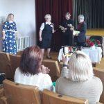 Laižuvos bendruomenės pirmininkė Birutė Rekašienė dėkoja šventės dalyviams