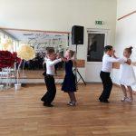 Mažieji sportinių šokių klubo SPINDULYS šokėjai