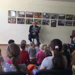 Vaidotas Balzeris skaito vaikams