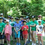 Ekskursijos dalyviai prie Lopaičių piliakalnio