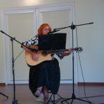 Vilhelmina Imbrienė renginio dalyviams dovanojo keletą žemaitiškų dainų