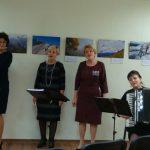 """Romansus dainavo Tirkšlių kultūros centro moterų vokalinis ansamblis """"Melodija"""" (vadovė Virginija Letukienė)"""