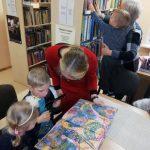 """Vaikus sudomino Carnovsky knyga """"Nušviestas pasaulis"""""""