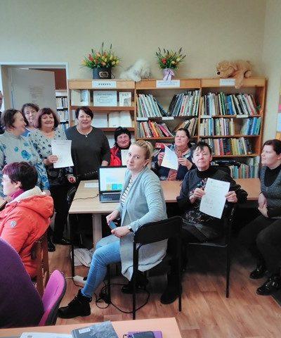 Saugesnio interneto savaitės dalyviai Židikų bibliotekoje