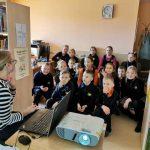 Vaikai diskutuoja apie saugų internetą