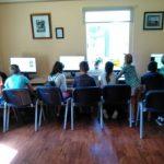 Daug veiklos vaikai turėjo prie naujų kompiuterių
