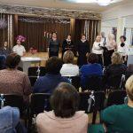 """Poezijos šventės dalyvius dainomis pasveikino Urvikių kultūros centro romansų ansamblis """"Auksinės širdys"""""""