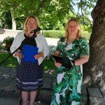Laižuvos kultūros centro direktorė Laima ir bibliotekininkė Kristina skaitė eilėraščius ir žmonių atsiminimus apie tremtį