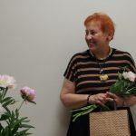 Rašytoja Aldona Ruseckaitė po renginio Mažeikių viešojoje bibliotekoje