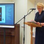 Ekrane buvo demonstruojamos nuotraukos ir dokumentai iš Maironio literatūros muziejaus archyvų