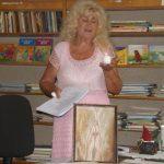 S.Chriščinavičienė aiškina žvakės liepsnelės prasmę poezijoje