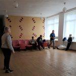 Vaikai pasirengę žaidimams Leckavos salėje
