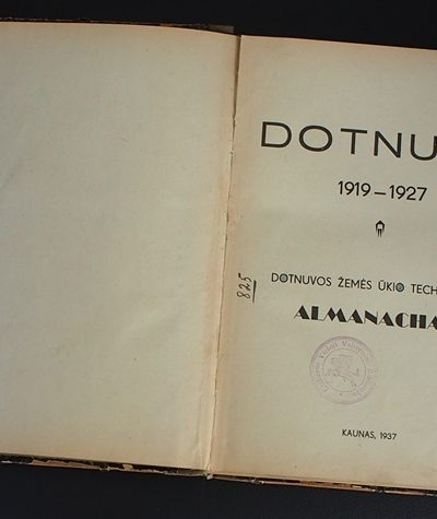 E. Augutavičiaus Mažeikių viešajai bibliotekai perduota knyga
