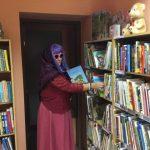 Pasakų bobutė renka knygeles